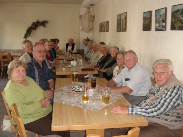 Senioren in der Gaststätte
